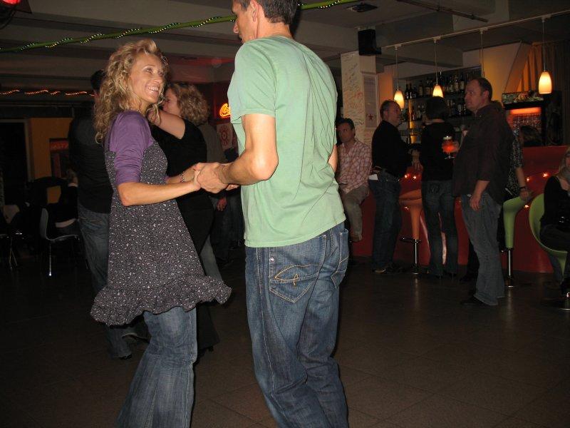 http://www.tanzen-im-schwanen.de/wb/media/Diverse_Fotos_Salsa/091216_SalsaPractica_Fotogalerie/IMG_3429.JPG