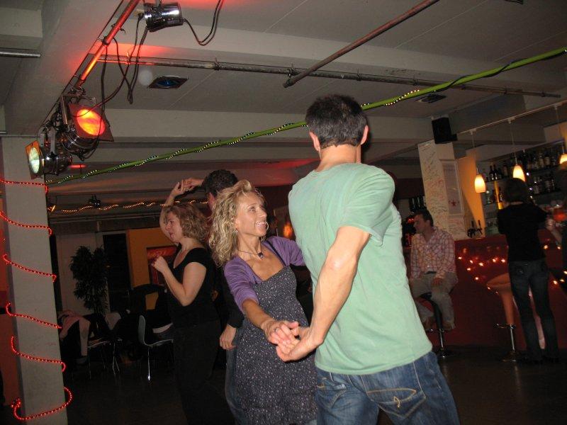 http://www.tanzen-im-schwanen.de/wb/media/Diverse_Fotos_Salsa/091216_SalsaPractica_Fotogalerie/IMG_3432.JPG