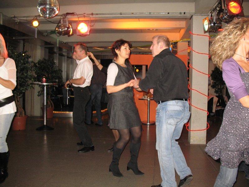 http://www.tanzen-im-schwanen.de/wb/media/Diverse_Fotos_Salsa/091216_SalsaPractica_Fotogalerie/IMG_3433.JPG