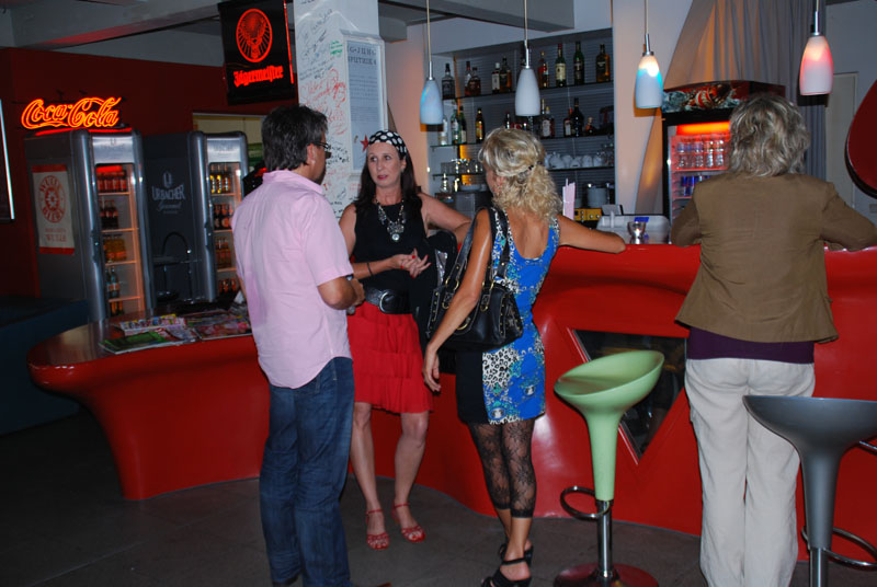 http://www.tanzen-im-schwanen.de/wb/media/Diverse_Fotos_Salsa/120523_SalsaPractica_Fotogalerie/0523_9.jpg