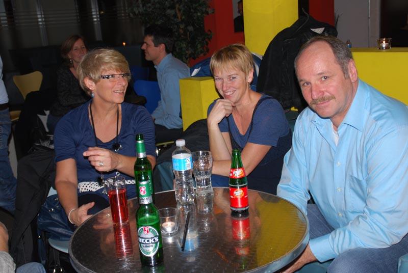 http://www.tanzen-im-schwanen.de/wb/media/Fotogalerien/111116_Salsa_Blue/1116_62.jpg