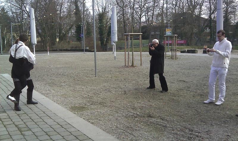 http://www.tanzen-im-schwanen.de/wb/media/Fotogalerien/120114_Fotosession_mit_Jim_Zimmermann/IMAG0082.jpg